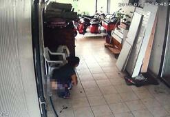 Hırsızlık için girdiği iş yerine tuvaletini yaptı