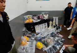 Hong Kongda polis 2 kg patlayıcı ele geçirdi