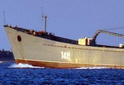 Rus savaş gemisi Orsk Çanakkale Boğazından geçti