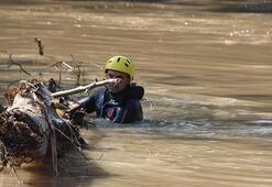 Düzcedeki selde kaybolan 5 kişiyi arama çalışmaları sürüyor