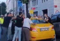 İstanbulda taksici yolcuya bıçakla saldırdı