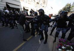 Rusyada seçim protestosu: Yüzlerce gözaltı var