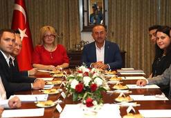 Bakan Çavuşoğlu Taylandda Türk yatırımcılarla buluştu