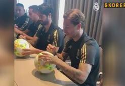 Real Madridli futbolcular Münihteki Madridli taraftarlarla buluştu