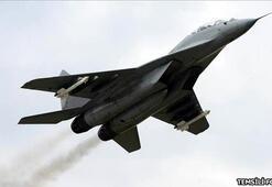 Azerbaycanda düşen savaş uçağı için Türkiyeden ekip davet edildi