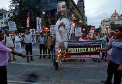 Hindistanda tecavüzle suçlanan iktidar partisi milletvekiline ihraç