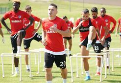 Gazişehir Gaziantepte yeni transferler antrenmana çıktı
