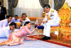 Resmi törenle metres aldı... Kralın annesi: Oğlum biraz zamparadır