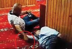 Camide uzanma numarası yaptı, uyuyan şahsın telefonunu böyle çaldı
