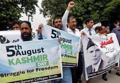 Pakistan Hindistana ateş püskürdü