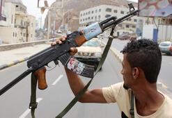 Yemende Cumhurbaşkanlığı Sarayı yakınlarında silahlı çatışma