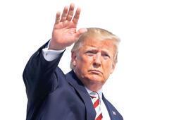 Trump saldırı bölgesinde