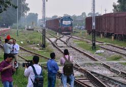Pakistan-Hindistan arası tren seferleri durduruldu