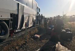 Tur otobüsü bariyerlere çarptı Yaralılar var...