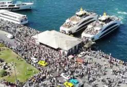 İstanbullular Eminönü İskelesine akın etti, yoğunluk havadan görüntülendi