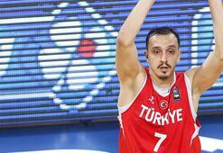 A Milli Basketbol Takımında 2 oyuncu kadrodan çıkarıldı