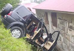 Lüks cip evin duvarına çarptı