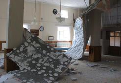 Cuma namazı sırasında tavan çöktü