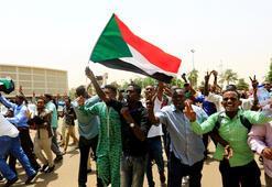 Son dakika... Sudanda beklenen imzalar atıldı