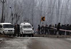 Son dakika: İki ülke arasında gerilim artıyor Hintli askerler sivillere ateş açtı