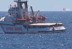 Akdeniz'de bekleyen sığınmacılar son çare denize atladı