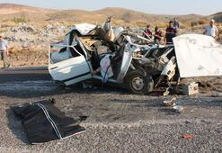 Son dakika | Otomobil TIRa çarptı: Anne ve oğlu öldü, eşi ve 2 çocuğu yaralandı