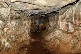 Efsaneleriyle ünlü 40 odalı Arılı Mağarası turizme açılmayı bekliyor