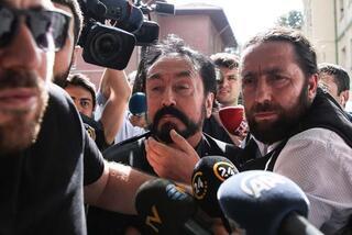 'Adnan Oktar Örgütü'ne şafak operasyonu 30 suç dosyası