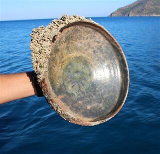 Antalyadaki batıktan 12nci yüzyıl yemek tabağı