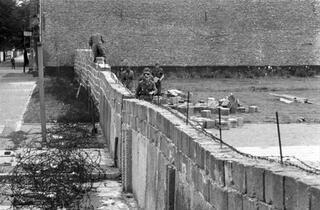 Utanç duvarı 29 yıl önce yıkıldı