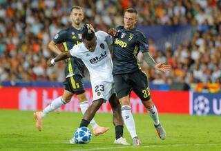 Galatasaray istedi, Fenerbahçe son dakikada...