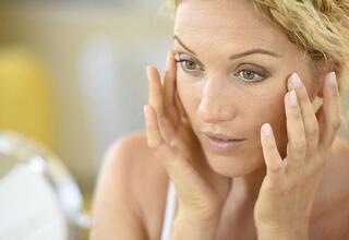 Kadınları erken yaşlandıran 6 hormon
