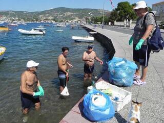 İzmirde denizden çıkanlar bu kadar da olmaz dedirtti