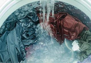 Çamaşır yıkama sorununu size unutturacak yöntemler