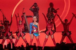 Katy Perry şov yaptı