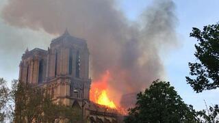 Son dakika | Pariste tarihi Notre Dame Katedralinde korkunç yangın Küle döndü...