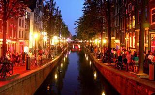 En iyi gece hayatına sahip 18 kent