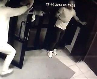 Barda gelen hesabı görünce dehşet saçtı Başından vurdu...