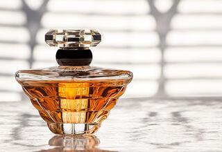 Yazın parfüm kullanmanın püf noktaları