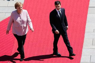 Merkel tir tir titredi