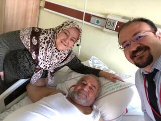 Kendisini doktor yapan eli kurtardı
