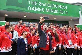 Bakan Kasapoğlu, Belarusta sporcu köyünü ziyaret etti