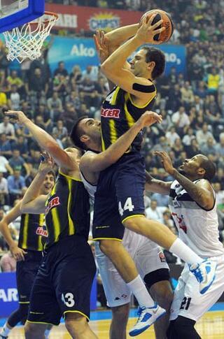 NBAnin yolu Obradovicten geçiyor