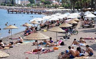 Marmariste turistler denize akın etti
