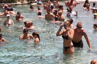 Antik havuza büyük ilgi