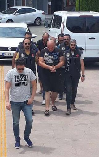 Polisten kaçarken yakalandılar Araçtan bakın ne çıktı