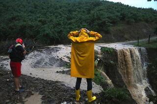 Düzcede su baskını ve toprak kayması