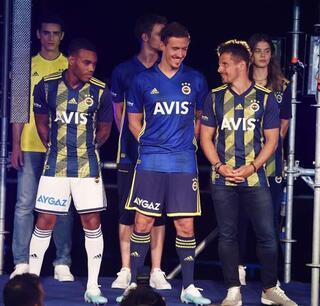 Fenerbahçede formalar tanıtıldı