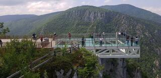 Yüzlerce metre yükseklikte muhteşem manzara