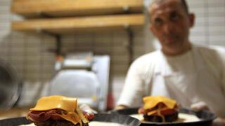 Samsun'un meşhur lezzeti: Pi burger
